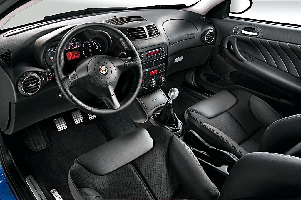 Alfa Romeo GT Blackline III 2