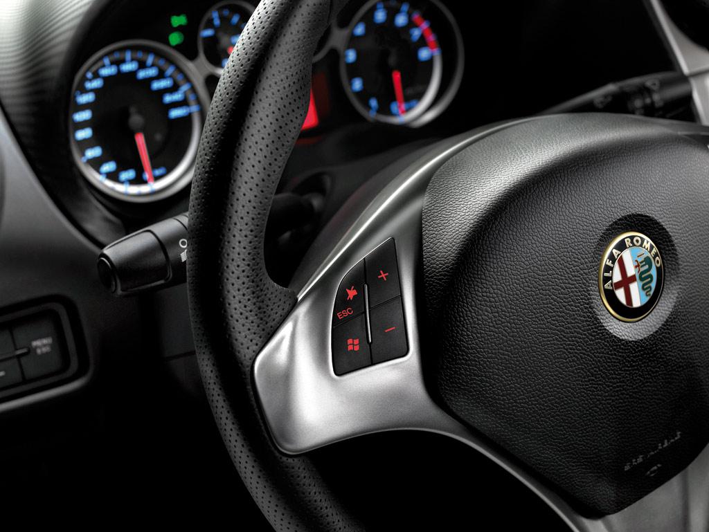 Alfa Romeo MiTo Interior Photo 2 3213