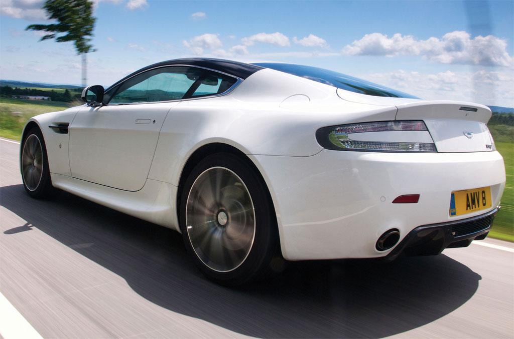 2015 Aston Martin V8 Vantage Gt Photos And Info News