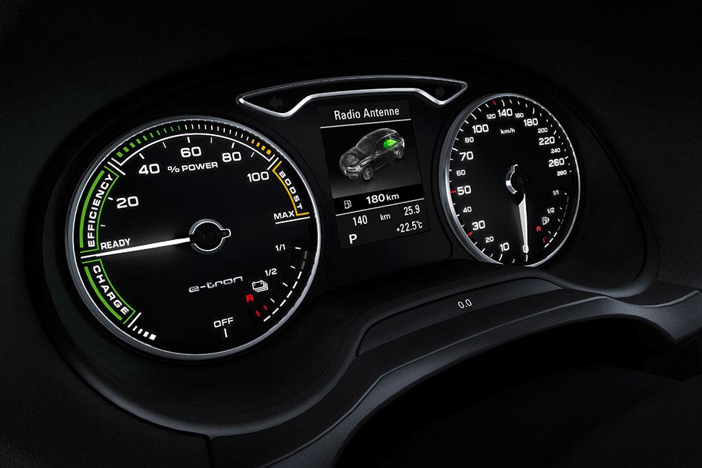 2014-Audi-A3-e-tron-12.jpg