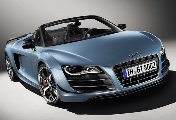 Audi officially revealed today the R8 GT Spyder, which will be built in limited numbers. In comparison