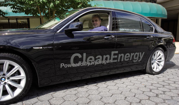 photo of Plácido Domingo BMW Hydrogen 7  - car