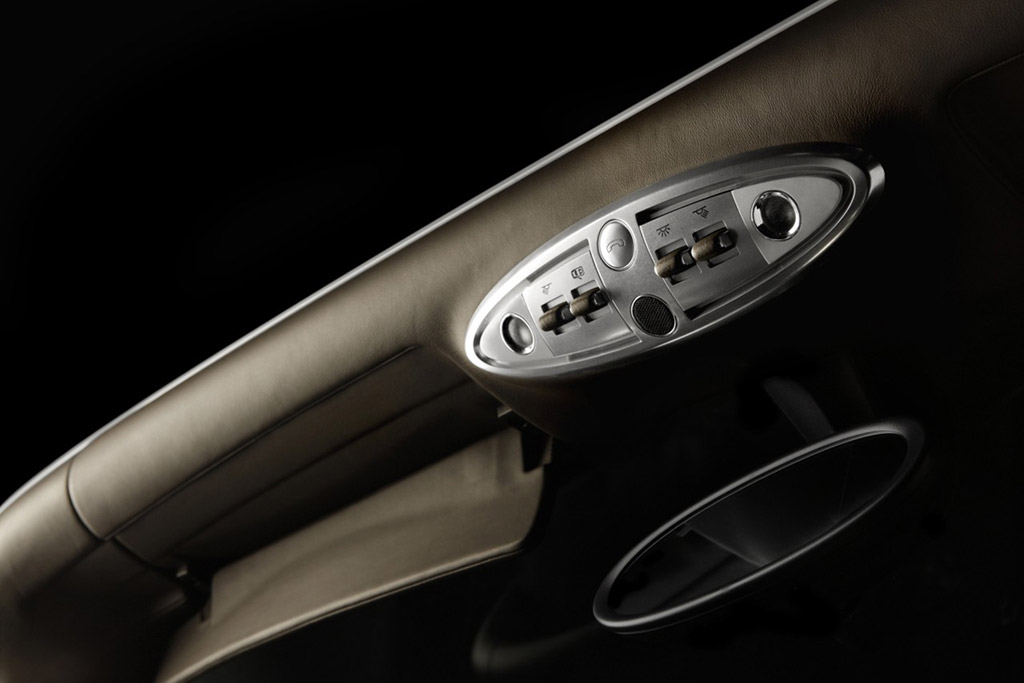 bugatti veyron cabrio photo 28 3959. Black Bedroom Furniture Sets. Home Design Ideas