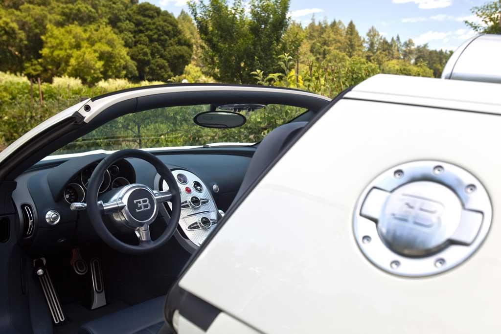 bugatti veyron grand sport photo 22 10112. Black Bedroom Furniture Sets. Home Design Ideas