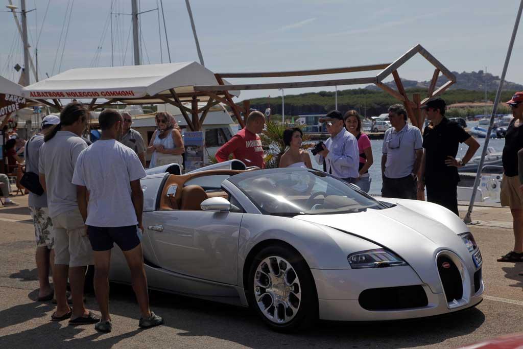 bugatti veyron grand sport photo 36 10112. Black Bedroom Furniture Sets. Home Design Ideas