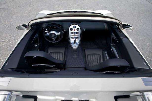 bugatti veyron grand sport for jay z. Black Bedroom Furniture Sets. Home Design Ideas
