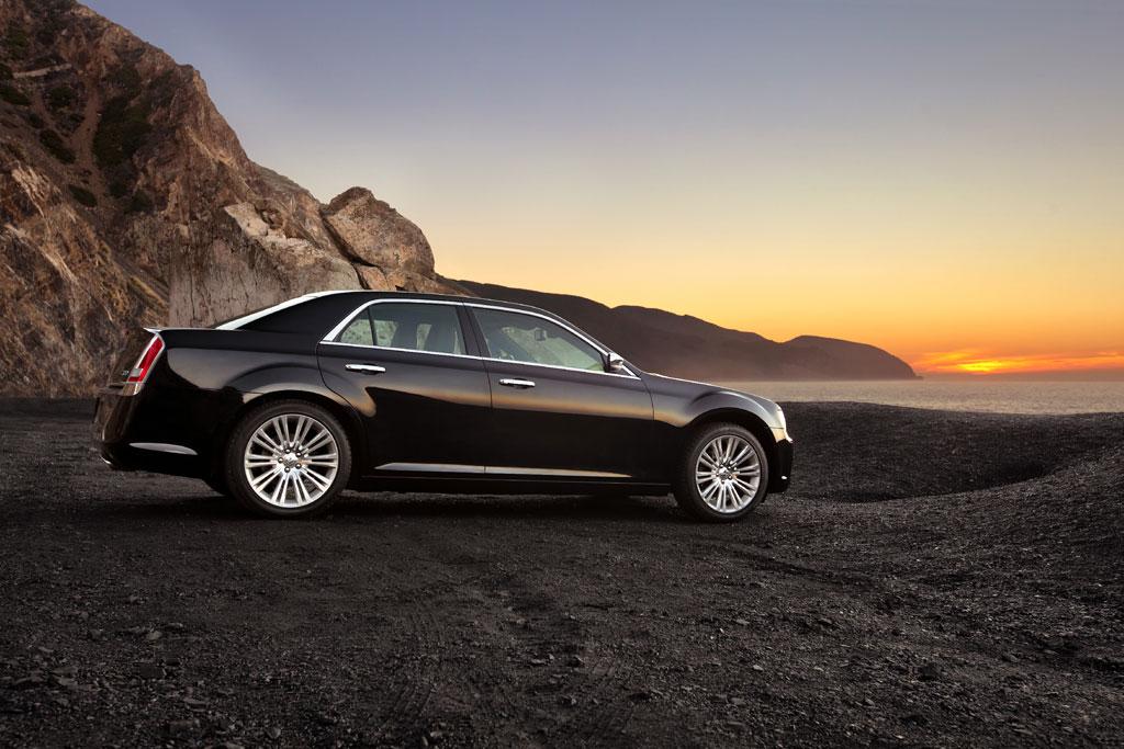 2012 Chrysler 300C SRT8 Info Photos - Image 2
