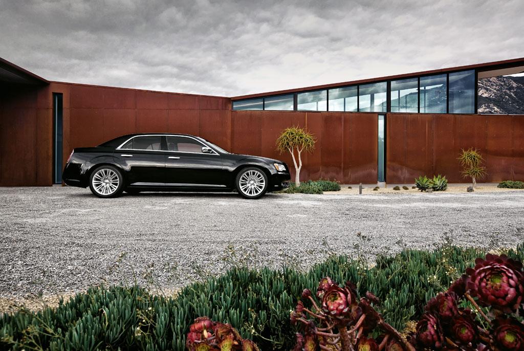2012 Chrysler 300C SRT8 Info Photos - Image 22