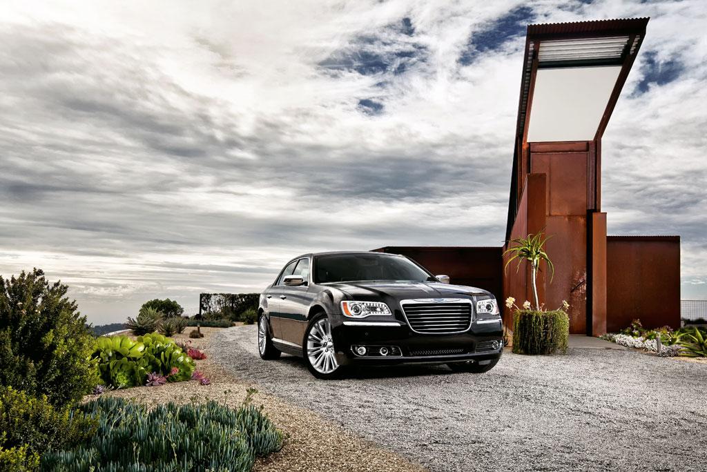 2012 Chrysler 300C SRT8 Info Photos - Image 26