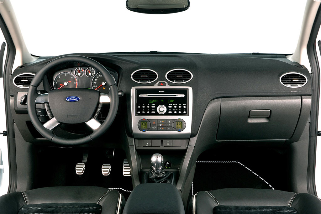 Ford focus wrc s photo 5 434 for Ford focus 2006 interieur