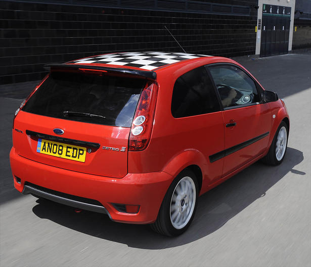 Ford Fiesta 1 2 Zetec 5 Door Hatchback: 2008 Ford Fiesta Zetec S Red