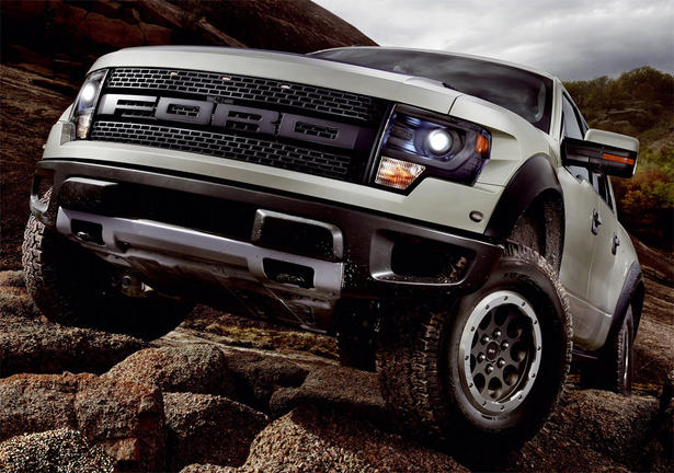 http://www.zercustoms.com/news/images/Ford/th1/2013-Ford-F150-SVT-Raptor-1.jpg