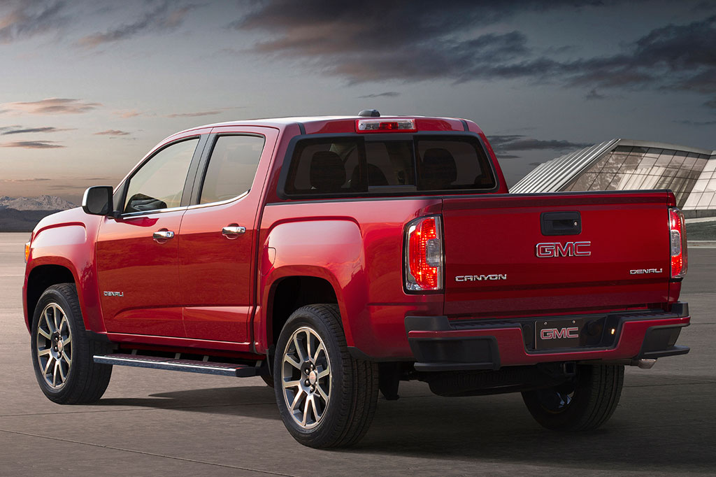 2017 gmc canyon denali photo 2 14813
