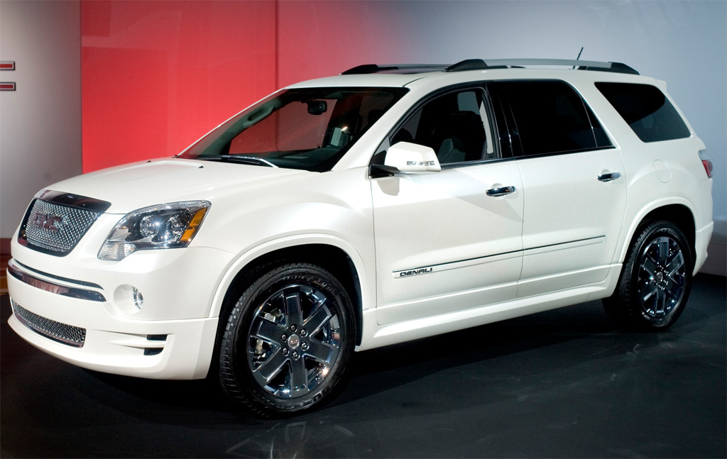 GMC Acadia Denali Photos - Image 1