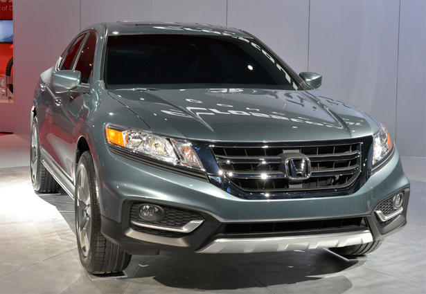 http://www.zercustoms.com/news/images/Honda/th1/Honda-Crosstour-Concept-1.jpg