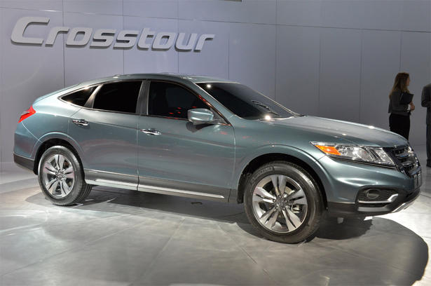 http://www.zercustoms.com/news/images/Honda/th1/Honda-Crosstour-Concept-3.jpg