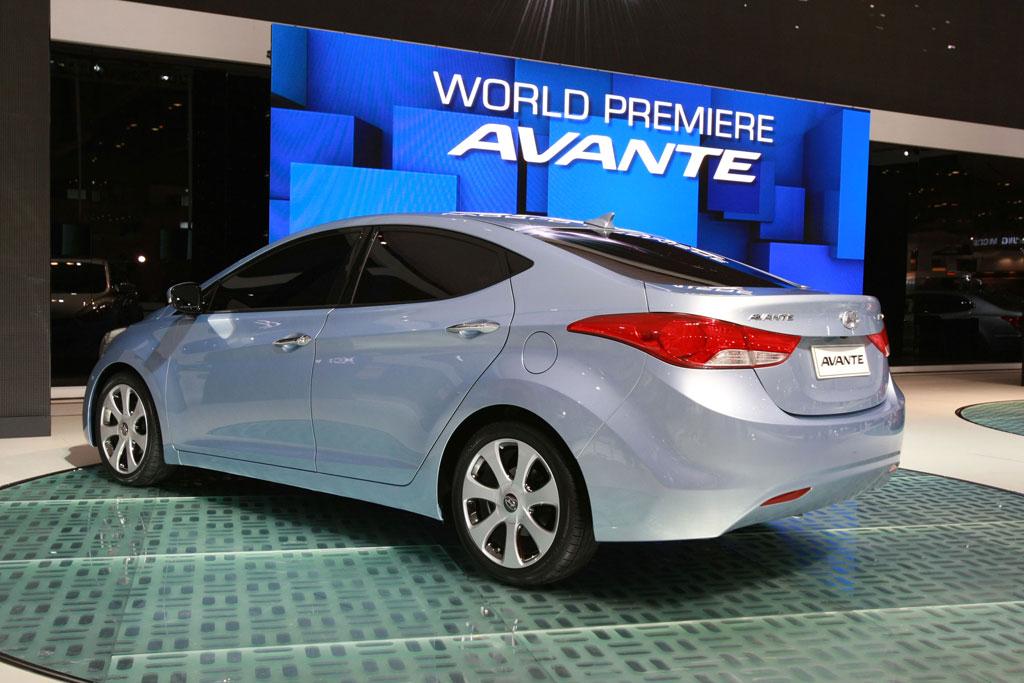 هيونداي.الانترا 2011 2011-Hyundai-Elantra
