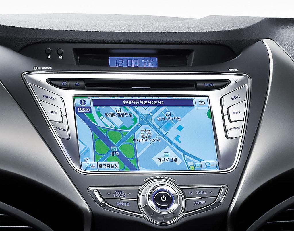 2011 Hyundai Elantra Interior 2.jpg