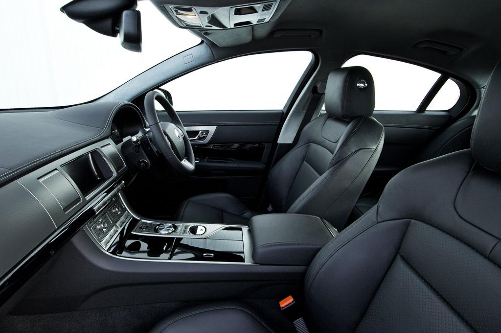 2011 Jaguar XF S 5