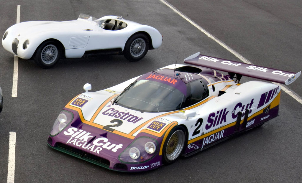 Jaguar Rsr Xkr Gt2 Le Mans 2010 Photo 2 7441