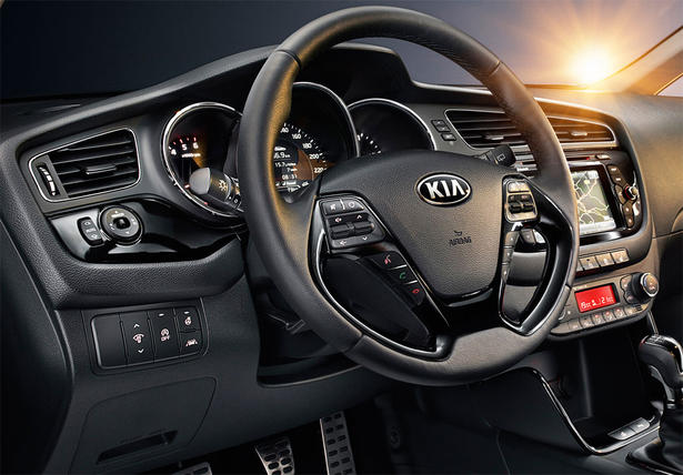 http://www.zercustoms.com/news/images/Kia/th1/2013-Kia-ceed-interior-1.jpg