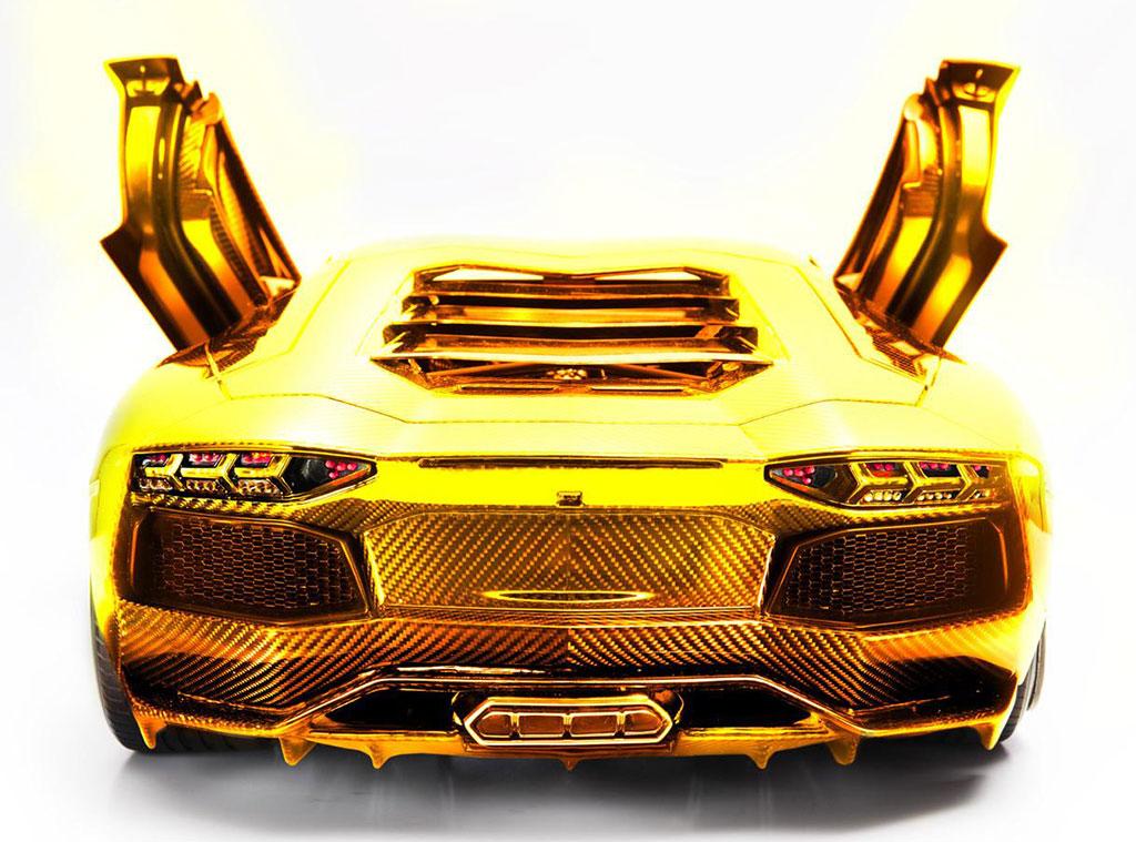 Gold Lamborghini Aventador Photo 2 13337