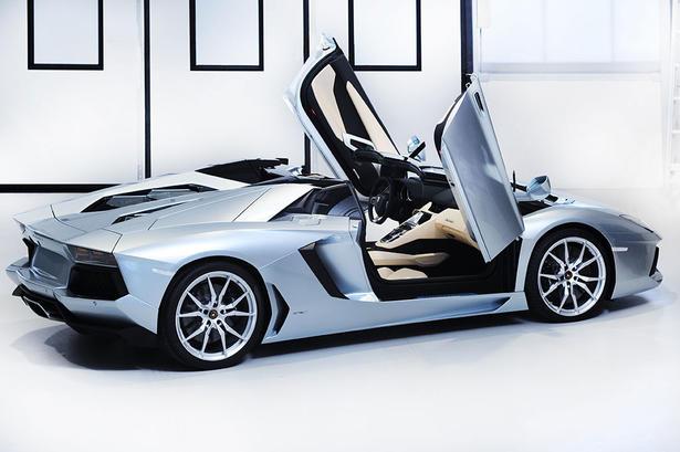 lamborghini aventador roadster price