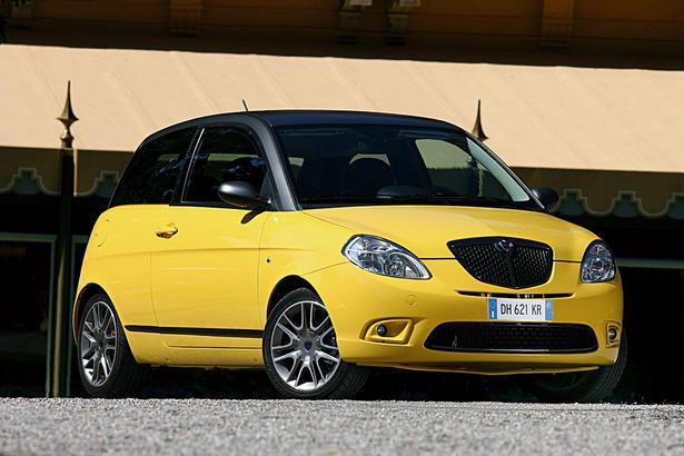 http://www.zercustoms.com/news/images/Lancia/th1/MomoDesign-Lancia-Ypsilon-Sport-1.jpg