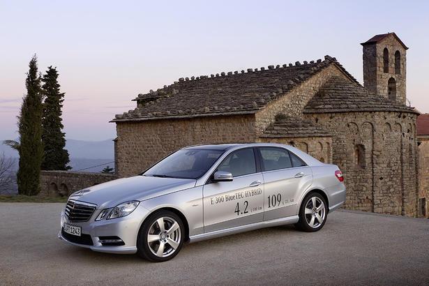 Mercedes e300 bluetec hybrid uk price for Mercedes benz e300 price