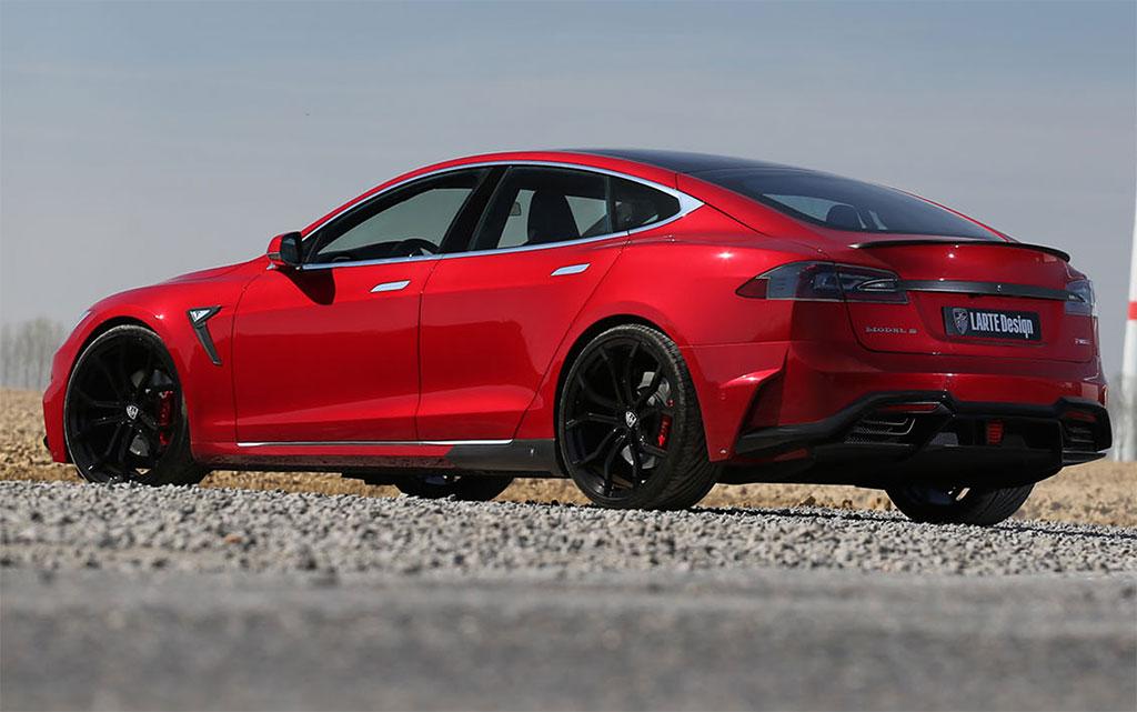 Larte Tesla Model S Elizabeta 2