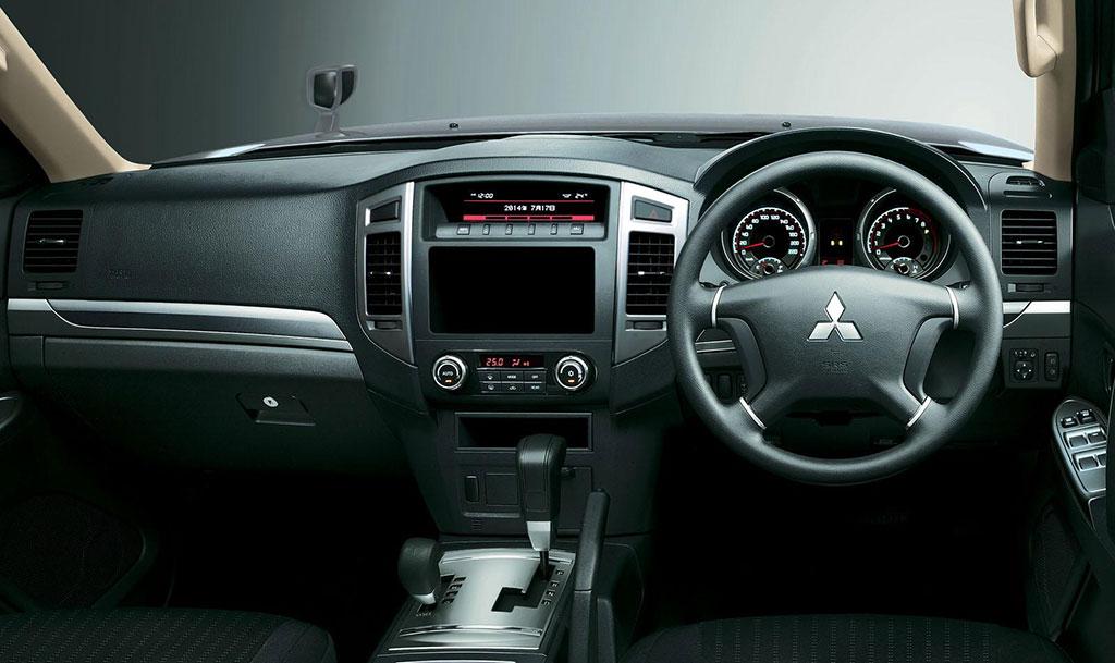 2015 Mitsubishi Pajero Facelift: Engine, Specs Photos - Image 3