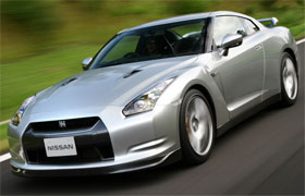 Nissan GT R vs Porsche 911 Turbo European Test Video