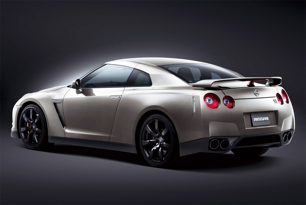 2010 nissan gt r photo 3 7736. Black Bedroom Furniture Sets. Home Design Ideas