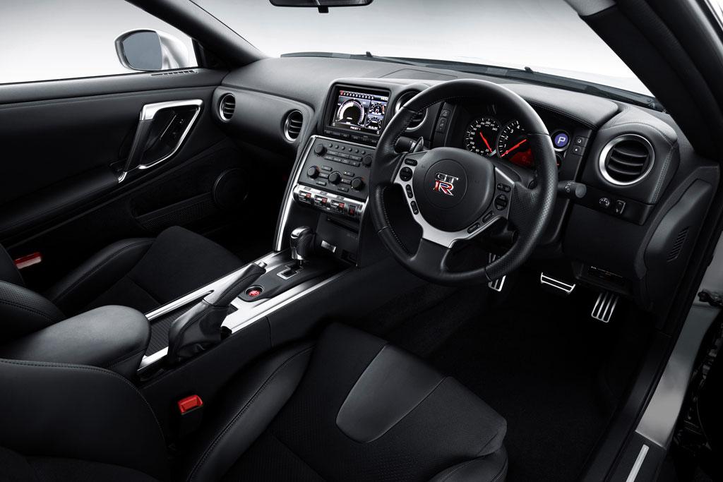 2010 Nissan GT R 5
