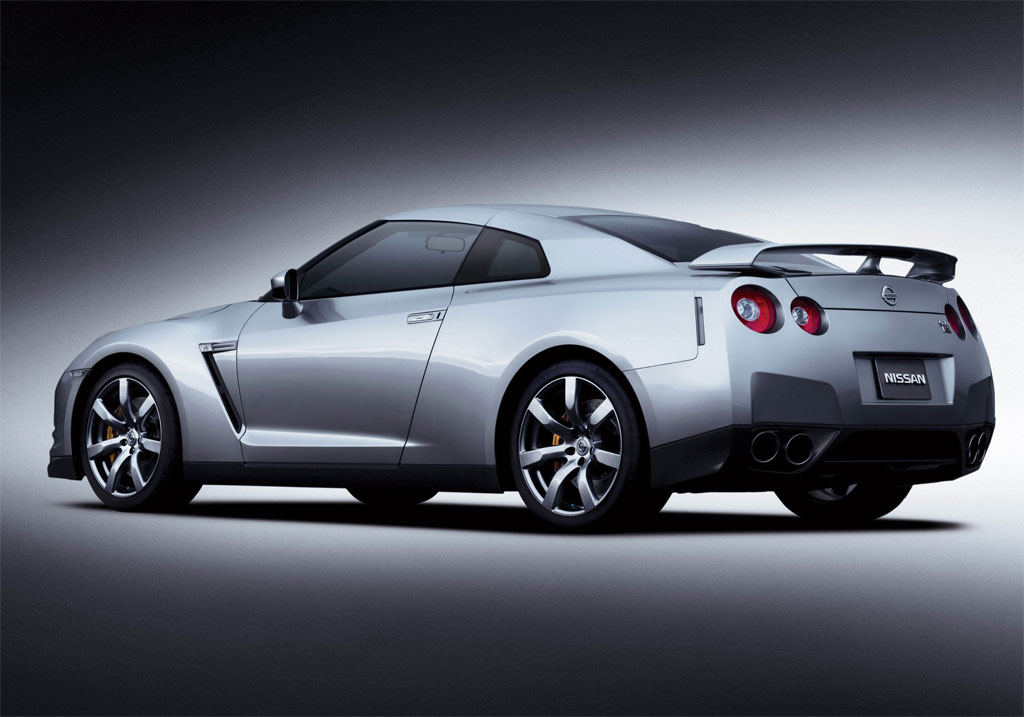 2011 nissan gt r priced at 84 060. Black Bedroom Furniture Sets. Home Design Ideas