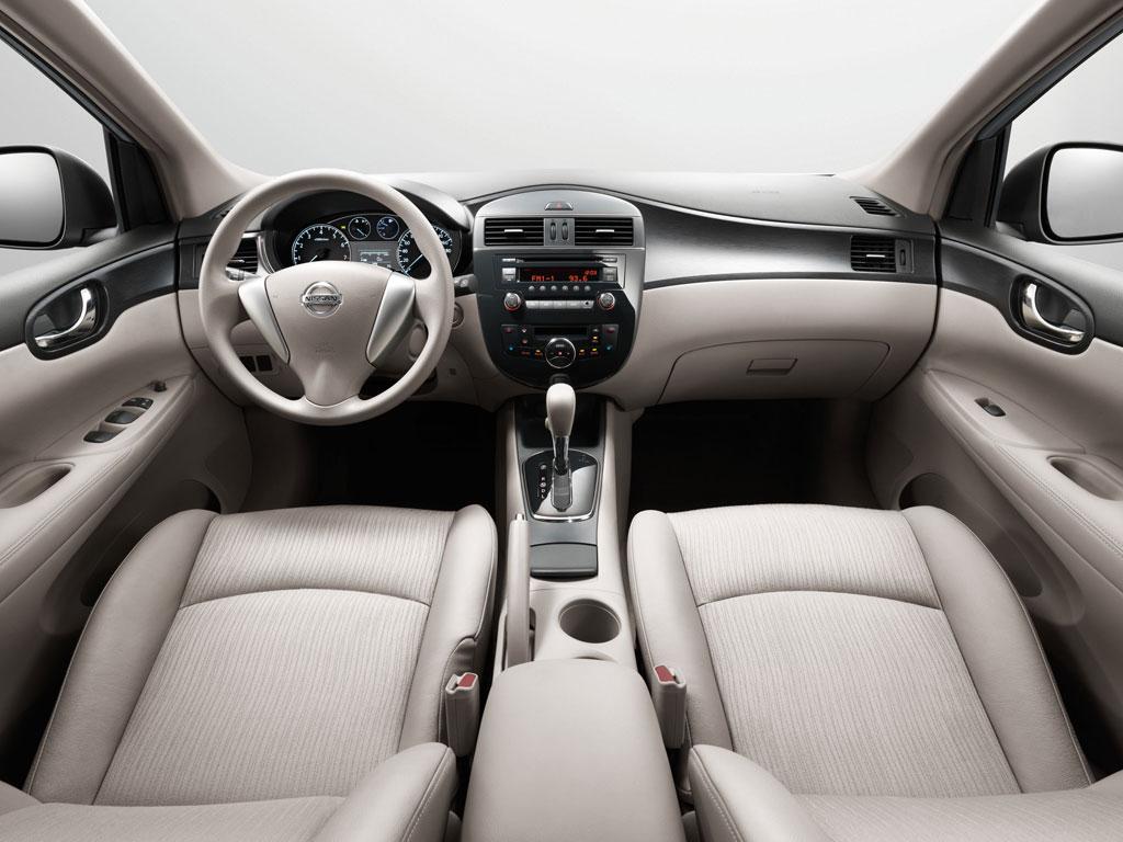 2012 Nissan Tiida Photo 3 10940
