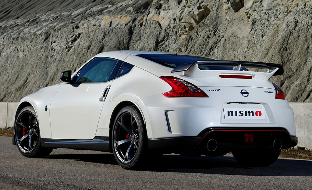 2014 nissan 370z nismo photo 2 12935. Black Bedroom Furniture Sets. Home Design Ideas