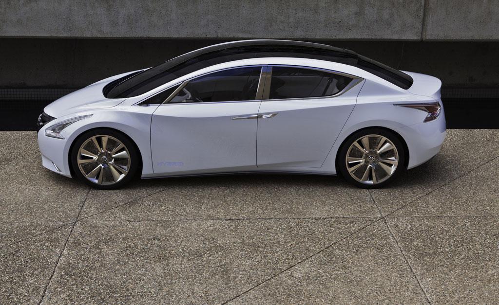 VWVortex.com - Nissan Ellure Hybrid Concept!.....Hello Altima...
