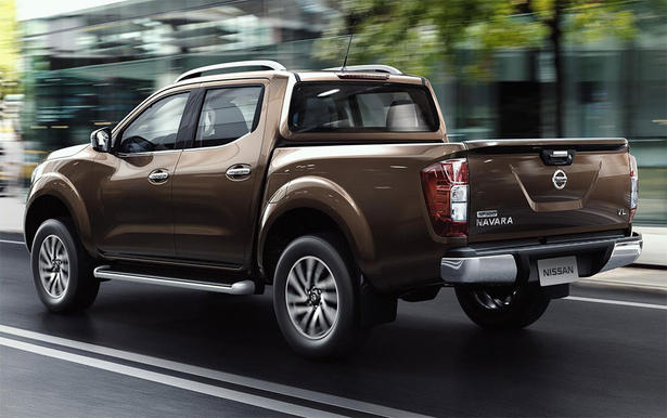 2015 nissan navara specifications and equipment. Black Bedroom Furniture Sets. Home Design Ideas