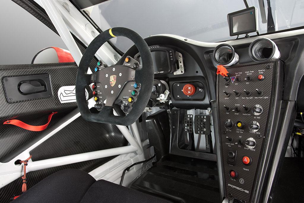 Porsche-911-Type-991-RSR-3.jpg