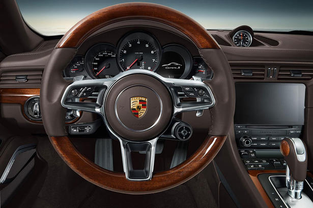 Porsche 911 gets exclusive interior wood trim for Porsche 911 interieur