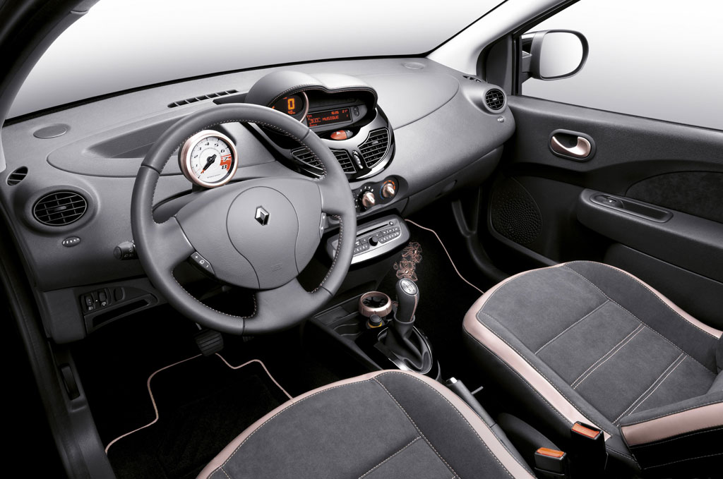 Renault twingo miss sixty photo 5 9425 for Interieur twingo 2