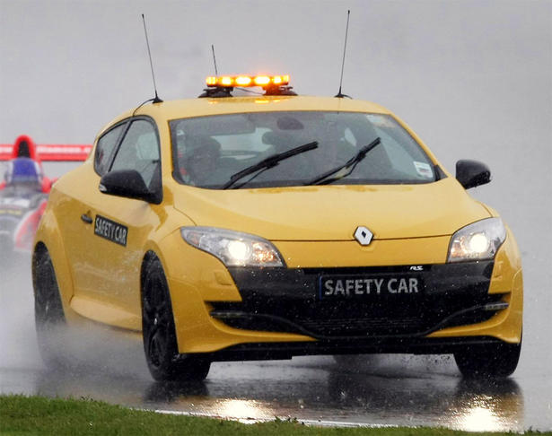 2010 renault megane rs safety car. Black Bedroom Furniture Sets. Home Design Ideas