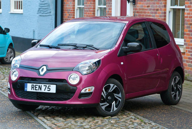 http://www.zercustoms.com/news/images/Renault/th1/2012-Renault-Twingo-UK-2.jpg