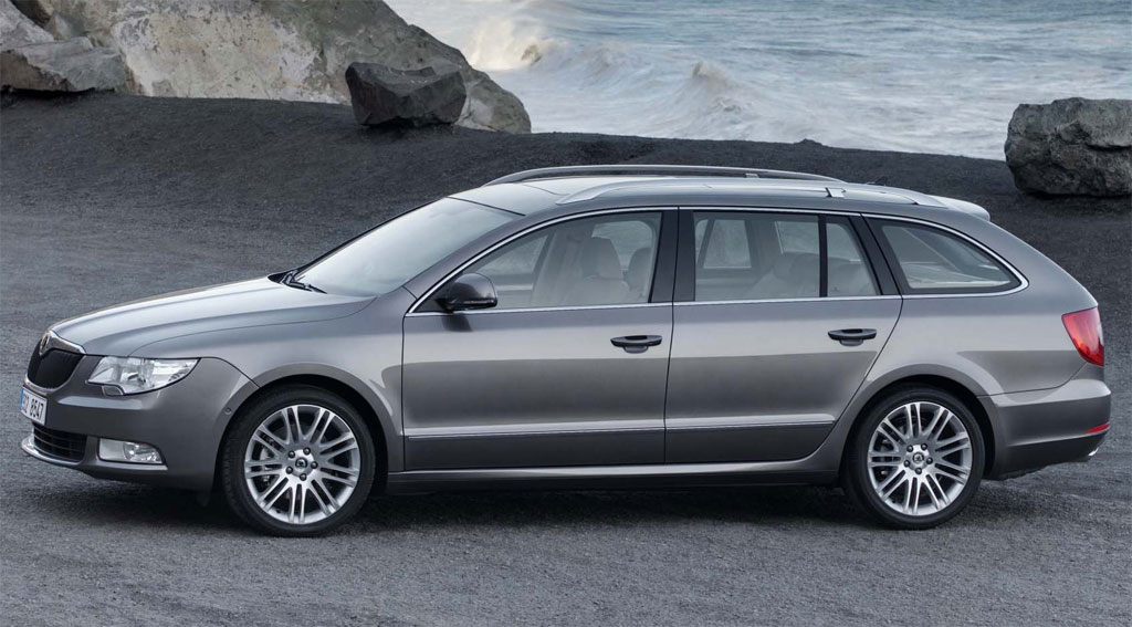 Back to Skoda Superb Estate Price Gallery Skoda Superb Combi 2.jpg