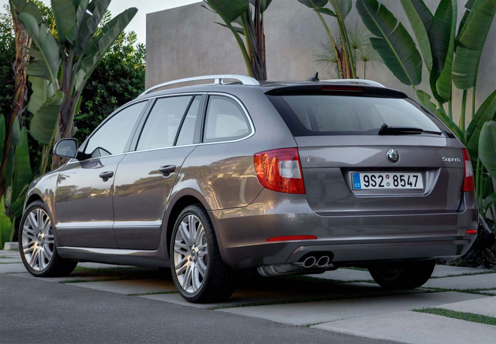 Back to Skoda Superb Estate Price Gallery Skoda Superb Combi 3.jpg