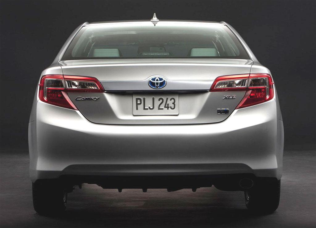 2012 Toyota Camry Hybrid 2