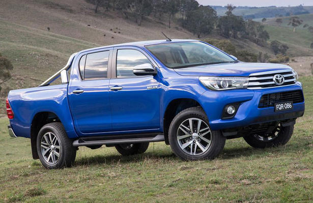2016 toyota hilux pickup truck specs equipment. Black Bedroom Furniture Sets. Home Design Ideas