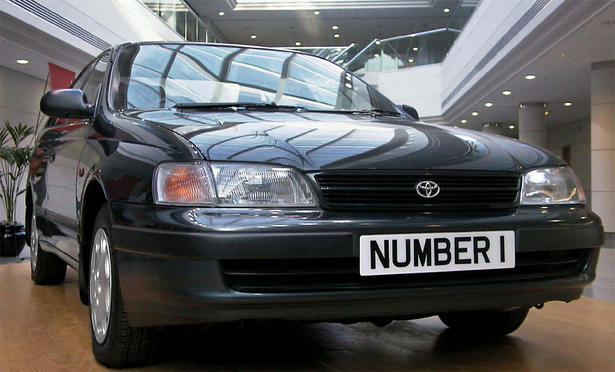 built toyota is the toyota carina e 1 6 gli in the photo this toyota. Black Bedroom Furniture Sets. Home Design Ideas