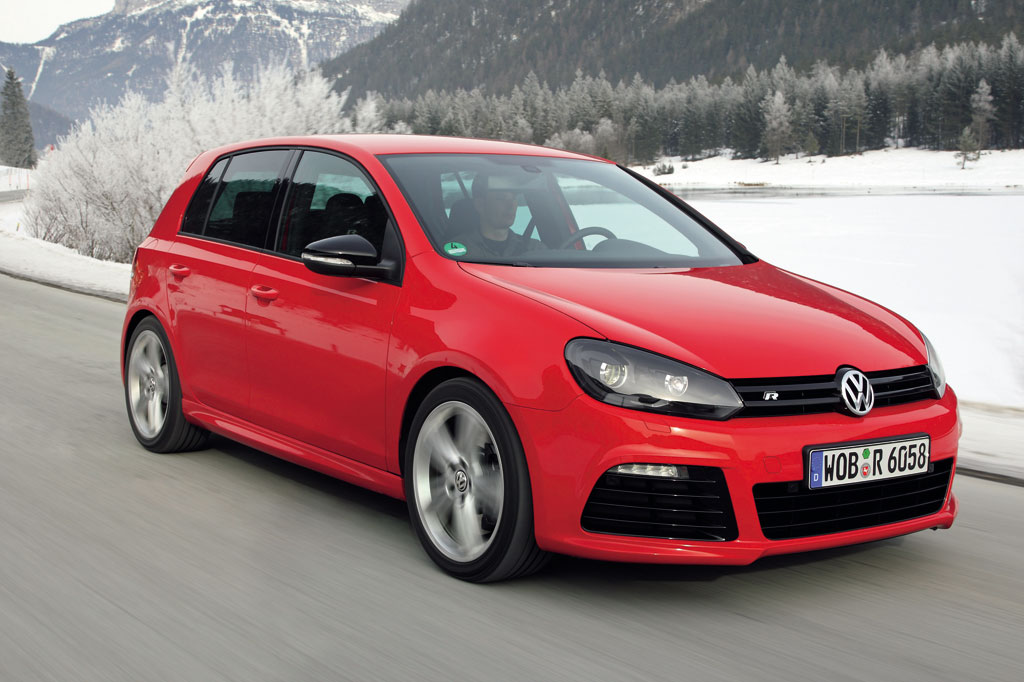 Volkswagen Golf R red 11